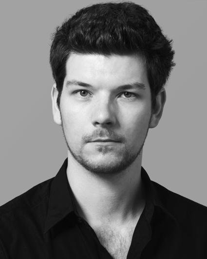Oliver Dunn, Bass
