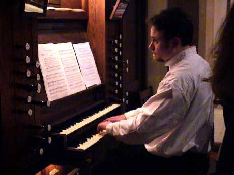 Steven Grahl, Organ